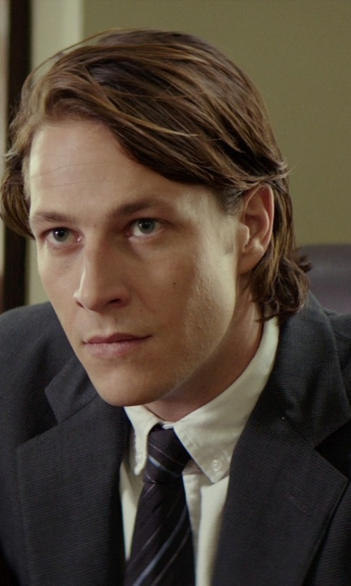 Luke Bracey with 1901 'Deauville' Stripe Woven Silk Tie in The Best of Me