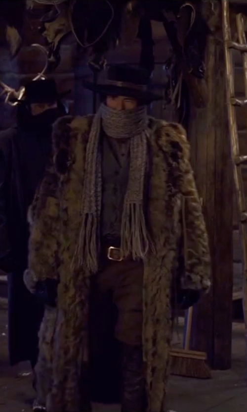 Demian Bichir with Incotex Slim Fit Gabardine Chino Pants in The Hateful Eight