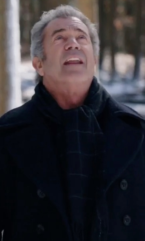 Mel Gibson with Nordstrom Men's Shop Check Cashmere Scarf in Daddy's Home 2