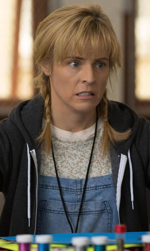 Maria Bamford with Dorothy Perkins Denim Dungaree Shorts in Lady Dynamite