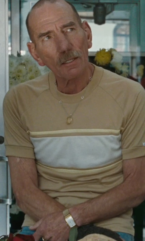 Pete Postlethwaite with Bloomingdales Diamond Rolling Pendant Necklace in The Town