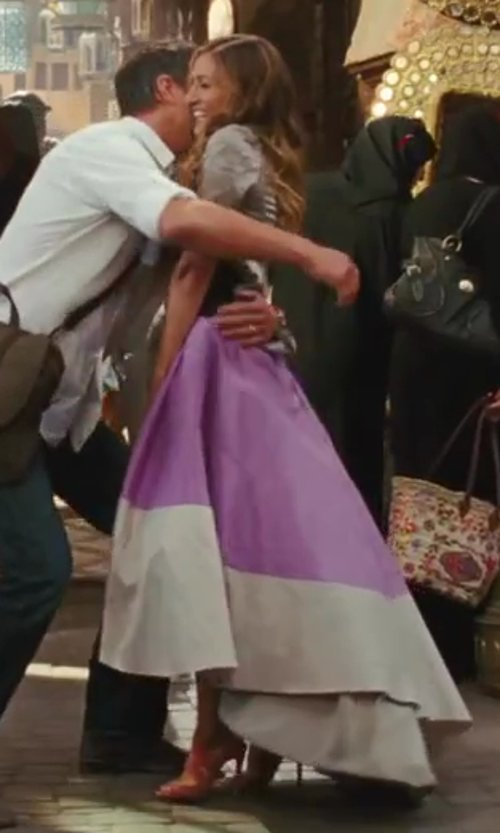 Sarah Jessica Parker with Zac Posen Colorblocked Skirt in Sex and the City 2