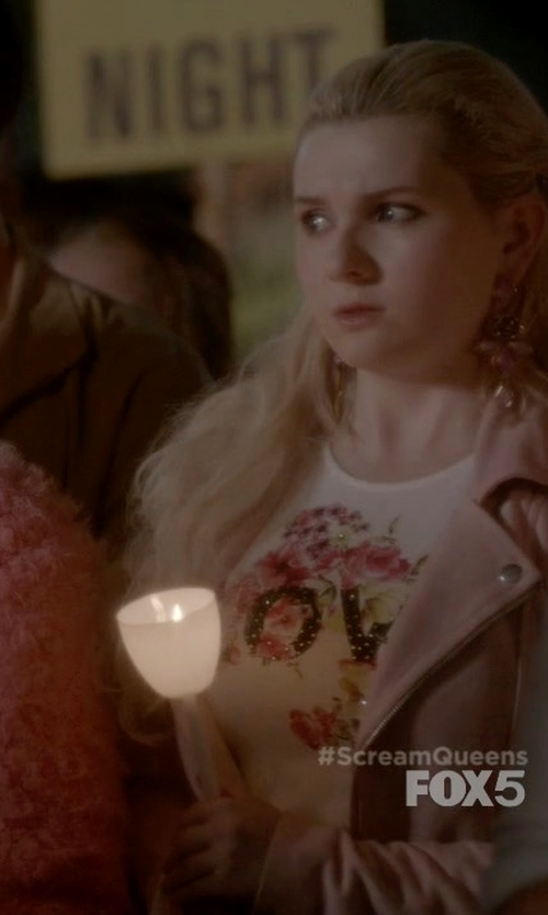 Abigail Breslin with Alexander McQueen Floral Insect Skull Print T-Shirt in Scream Queens