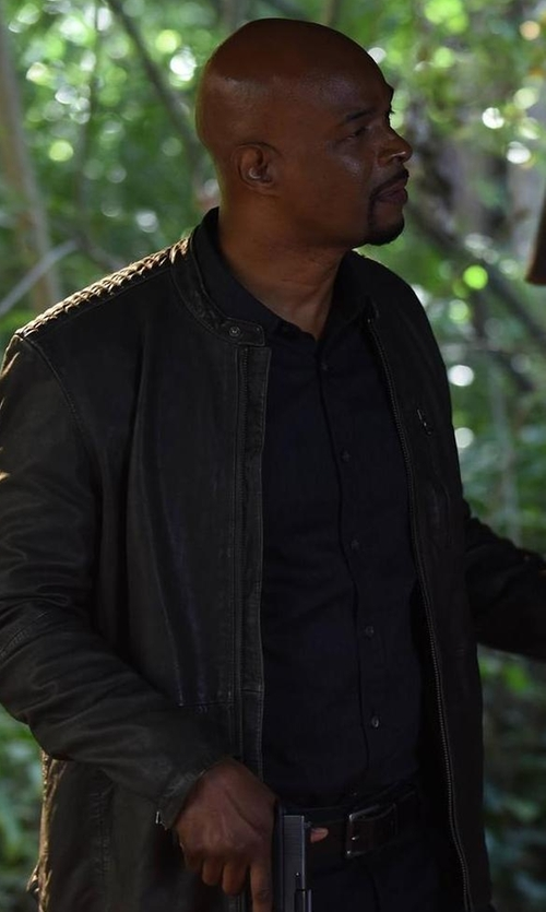 Damon Wayans with Paul Smith Leather Belt in Lethal Weapon