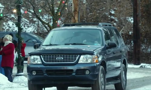 John Goodman with Ford Expedition SUV in Love the Coopers