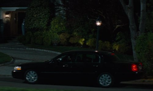 Victor Cruz with Lincoln Town Car in The Other Woman