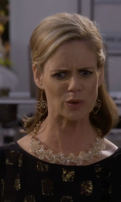 Andrea Barber with Diane Von Furstenberg Ribbon Heart Drop Earrings in Fuller House