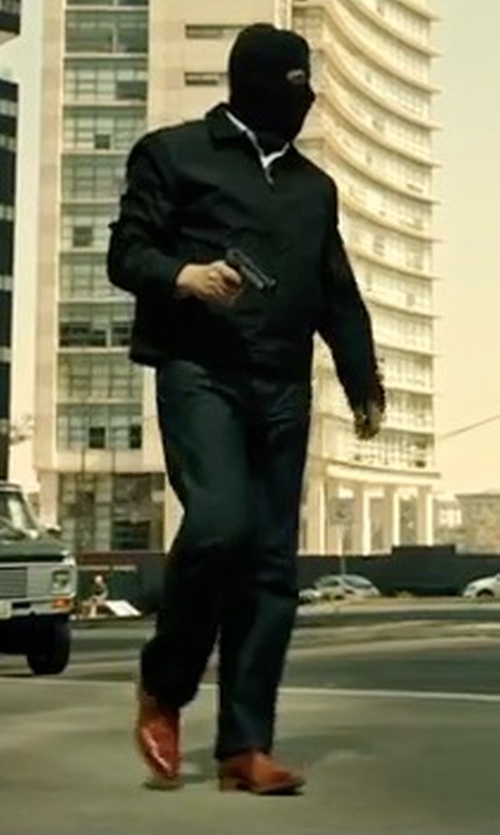 Benicio Del Toro with Dockers Stanwell Chelsea Boots in Sicario 2: Soldado