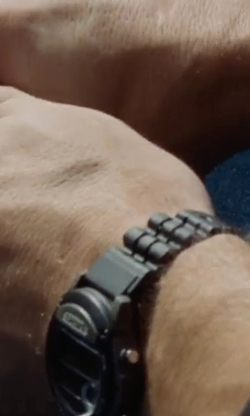 Tom Cruise with Casio  W87H-1V Sports Wrist Watch in Jack Reacher: Never Go Back