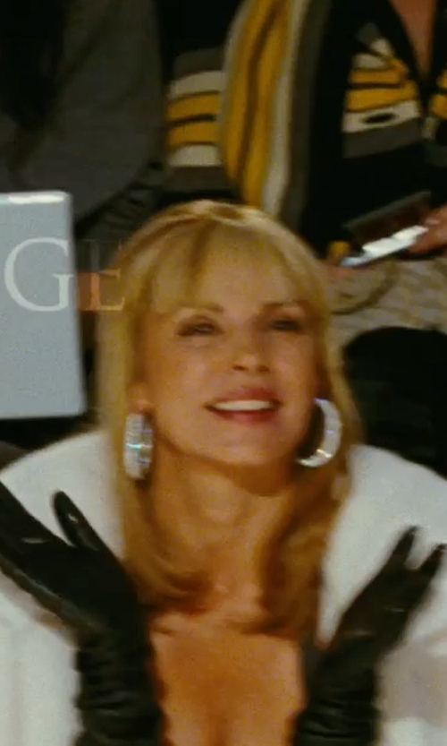 Kim Cattrall with Neiman Marcus Diamond Hoop Earrings in Sex and the City