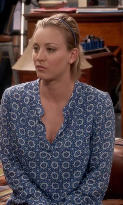 Kaley Cuoco-Sweeting with Velvet by Graham & Spencer Split Neck Challis Blouse in The Big Bang Theory