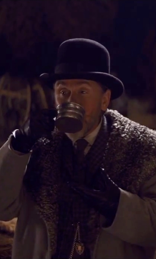 Tim Roth with Gaspar Gloves Custom Made 'Oswaldo Mobray' Leather Gloves in The Hateful Eight