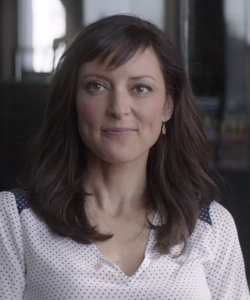 Lola Glaudini with Anna Beck 'Gili' Large Drop Earrings in That Awkward Moment