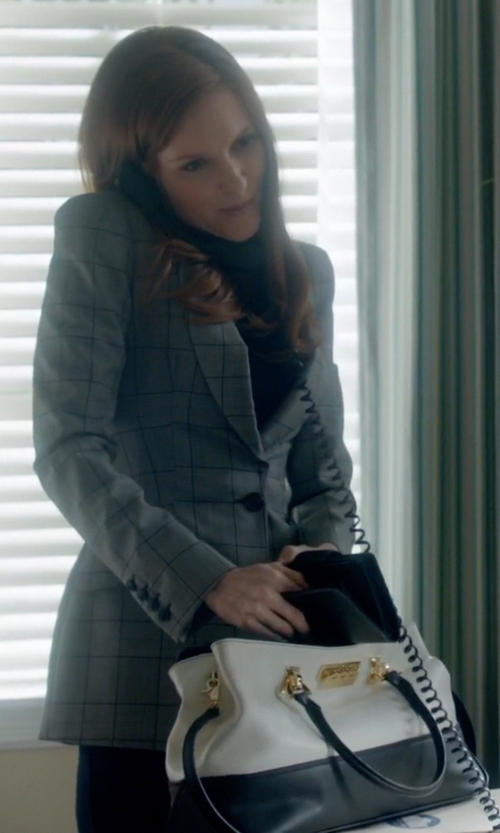 Darby Stanchfield with Zac Zac Posen Eartha Envelope Carryall Top Handle Bag in Scandal
