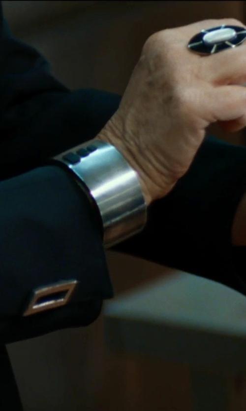 Helen Mirren with Tiffany & Co. Tiffany Locks Bangle Bracelet in The Hundred-Foot Journey