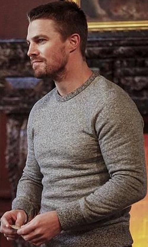 Stephen Amell with Rag & Bone Jaspé Sweatshirt in Arrow