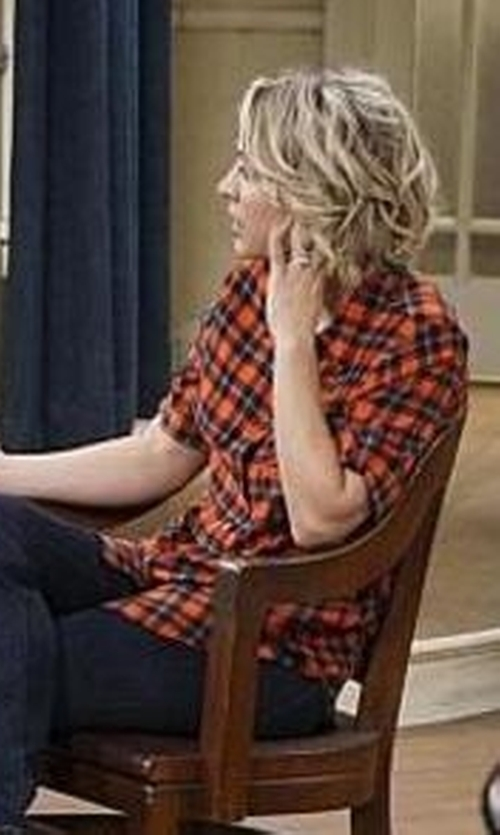 Kaley Cuoco-Sweeting with Equipment 'Slim Signature' Plaid Silk Shirt in The Big Bang Theory