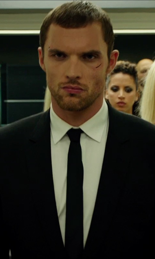 Ed Skrein with Ralph Lauren Solid Silk Satin Tie in The Transporter: Refueled
