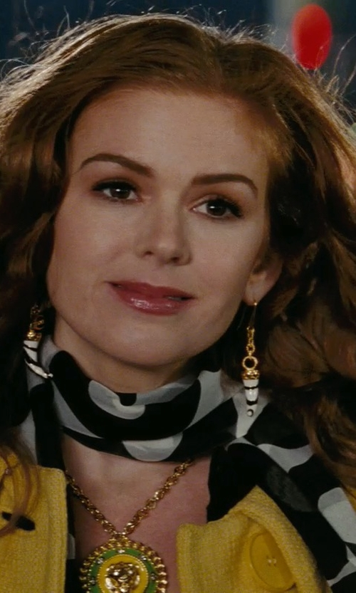 Isla Fisher with Marc By Marc Jacobs Printed Scarf in Confessions of a Shopaholic