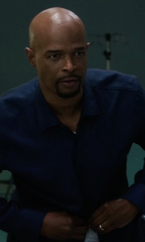 Damon Wayans with Eton Solid Dress Shirt in Lethal Weapon