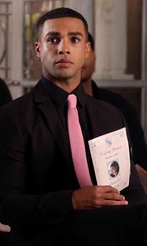 Lucien Laviscount with Forzieri Solid Twill Silk Narrow Tie in Scream Queens