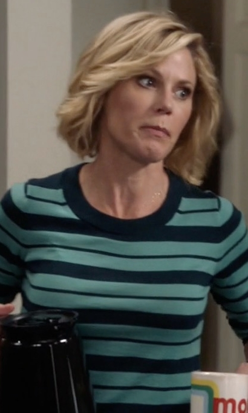 Julie Bowen with J.Crew Mixed Stripe Tippi Sweater in Modern Family