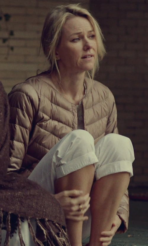 Naomi Watts with Luis Trenker Low Waisted 3/4-Length Shorts in While We're Young