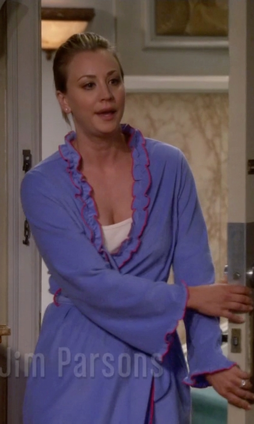 Kaley Cuoco-Sweeting with Betsey Johnson Women's Microfleece Robe in The Big Bang Theory