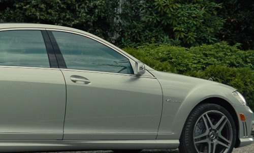 Cameron Diaz with Mercedes-Benz S Class Sedan in The Other Woman