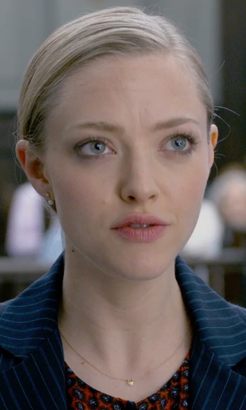 Amanda Seyfried with Signature Gold Puffed Heart Pendant Necklace in Ted 2