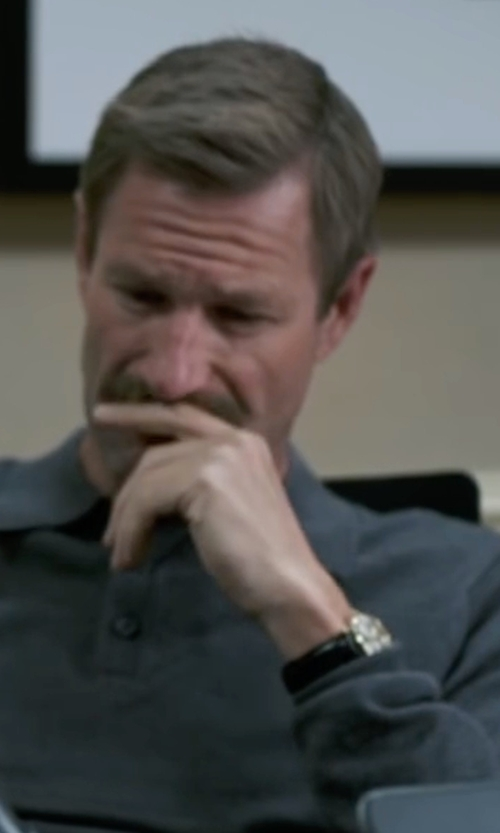Aaron Eckhart with Daniel Wellington Sheffield Leather Strap Watch in Sully