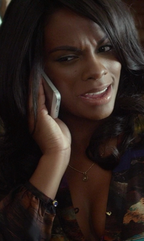 Tika Sumpter with Apple iPhone 5S in Ride Along
