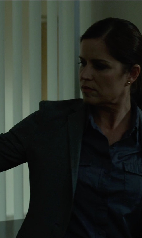 Kim Dickens with Anne Klein Single-Button Blazer in Gone Girl