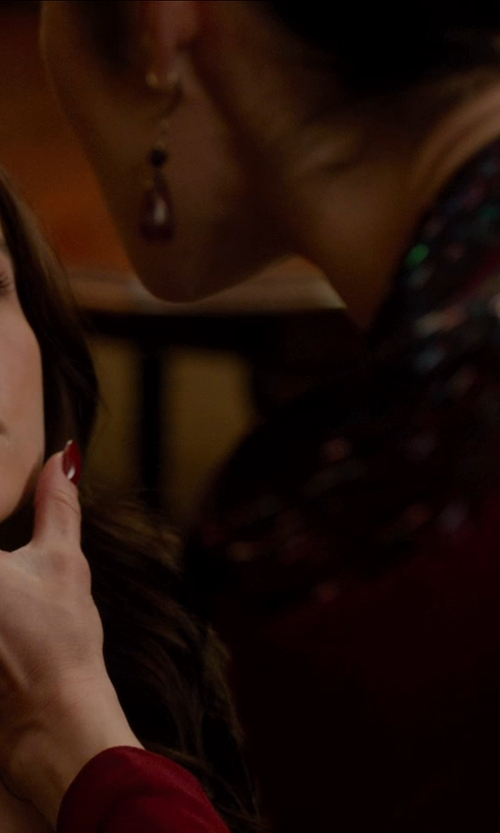 Olga Kurylenko with Vogati Square Rose Cut Black Diamond Solitaire Ring in Vampire Academy