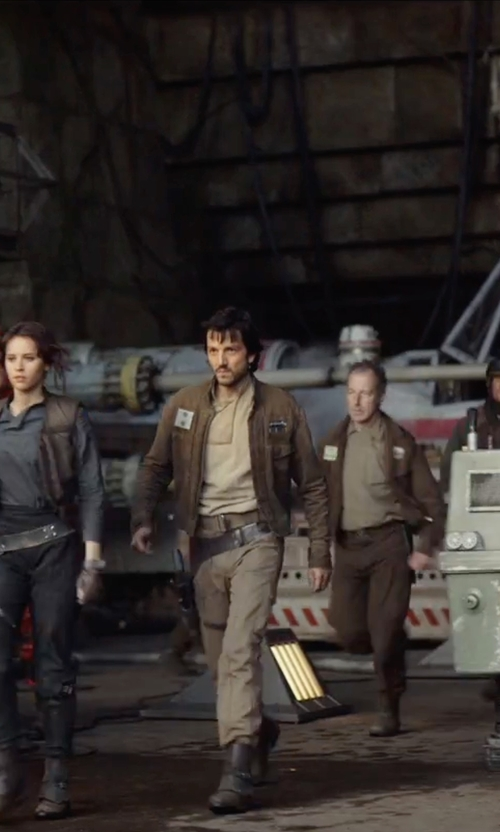 Diego Luna with Caterpillar Men's Pelton Steel Toe Shoes in Rogue One: A Star Wars Story