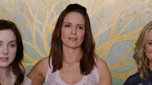 Tina Fey with Gucci Trademark Sterling Silver Heart Pendant Necklace in Sisters
