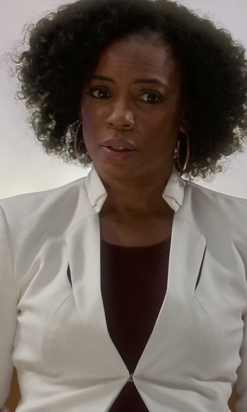 Aunjanue Ellis with Osklen V-Neck Blazer in Quantico