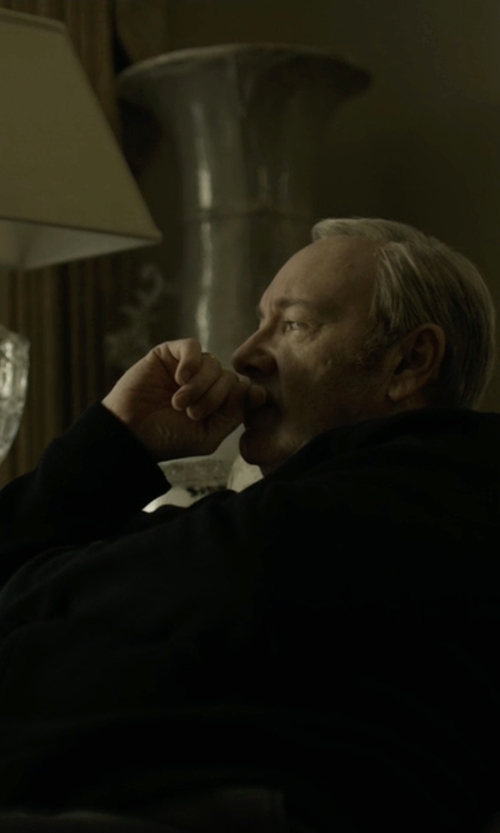 Kevin Spacey with Burberry Brit Zipped Hoodie Jacket in House of Cards