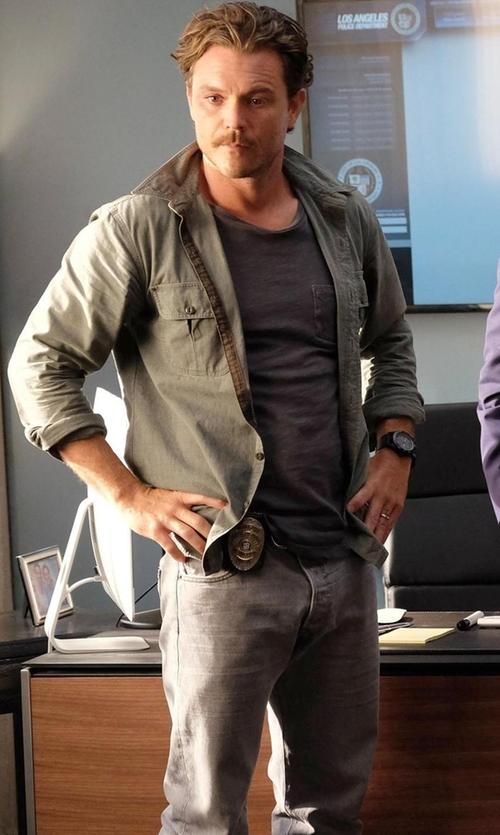 Clayne Crawford with Rag & Bone  Slim Skinny Denim Jeans in Lethal Weapon