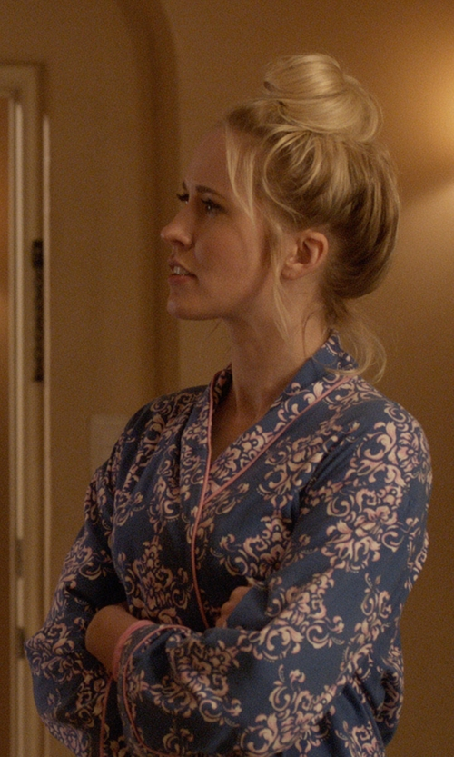 Anna Camp with BedHead Pajamas Damask Print Robe in Pitch Perfect 3