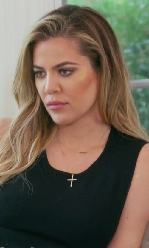 Khloe Kardashian with David Yurman Cross Diamond Pendant Necklace in Keeping Up With The Kardashians