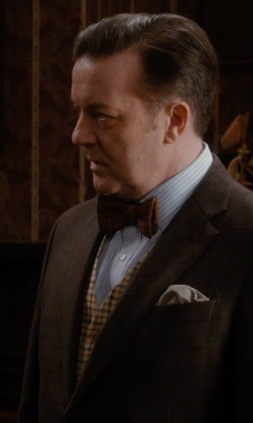Ricky Gervais with Paul Fredrick Men's Wool Flannel Glen Plaid Vest in Night at the Museum: Secret of the Tomb
