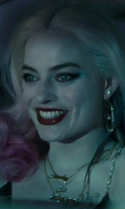 Margot Robbie with Bloomingdale's Diamond Inside Out Hoop Earrings In 14k Yellow Gold in Suicide Squad