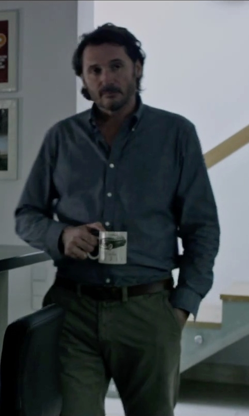 Charlie Gardner with Banana Republic Distressed Leather Belt in The Martian