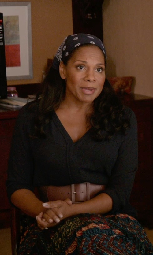 Audra McDonald with Vince Ladder Stitch Long-Sleeve Drape V-Neck T-Shirt in Ricki and the Flash