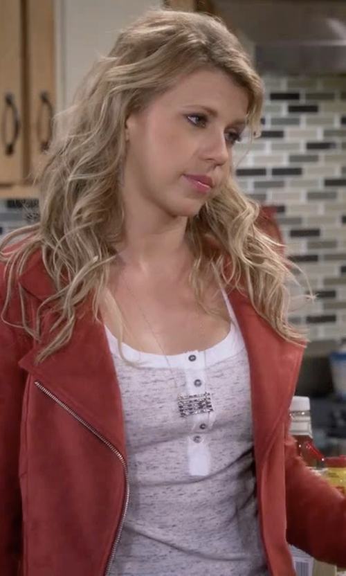 Jodie Sweetin with Frame Denim Le Henley Tank in Fuller House