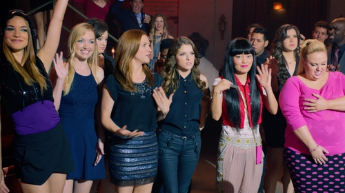 Alexis Knapp with Forever 21 Favorite Scoop Neck Cami Top in Pitch Perfect 2