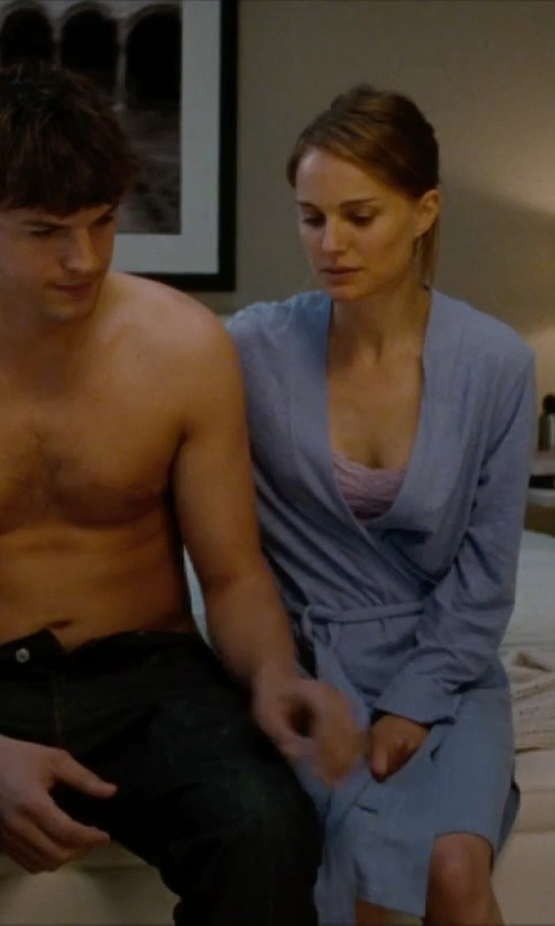 Natalie Portman with Nordstrom Waffle Cotton Robe in No Strings Attached