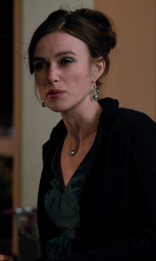 Keira Knightley with Athena Designs Green Onyx Pendant Necklace in Laggies