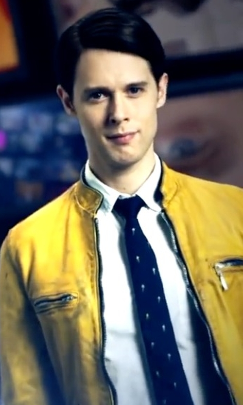 Samuel Barnett with Paul Smith Blue Ice Cream Cone Silk Tie in Dirk Gently's Holistic Detective Agency